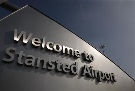 How to travel from Stansted Airport to London