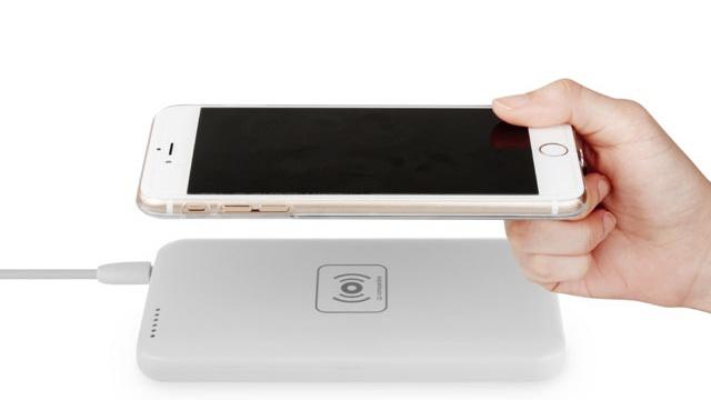 Apple dezvolta tehnologii de incarcare la distanta