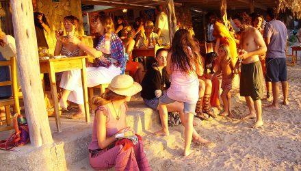 Destinatii de plaja si distractie pentru tineri