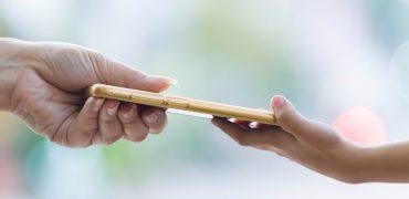 Cum sa protejezi copilul de aplicatii periculoase ale telefonului mobil ?